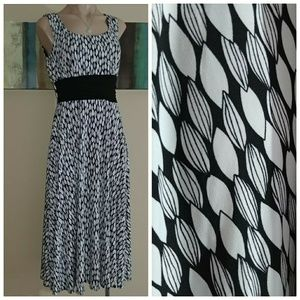 3/$50 sale PERCEPTIONS NEW YORK LEAF PRINT DRESS